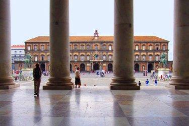palazzo-reale-piazza-plebiscito-napoli