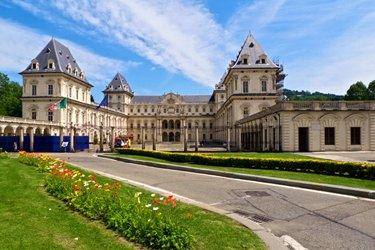 Castello e Parco del Valentino a Torino