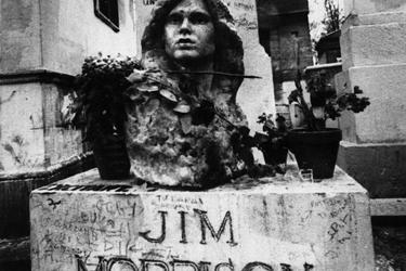 La tomba di Jim Morrison a Père-Lachaise