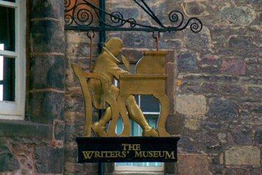 Il Museo degli Scrittori e la Makars' Court a Edimburgo