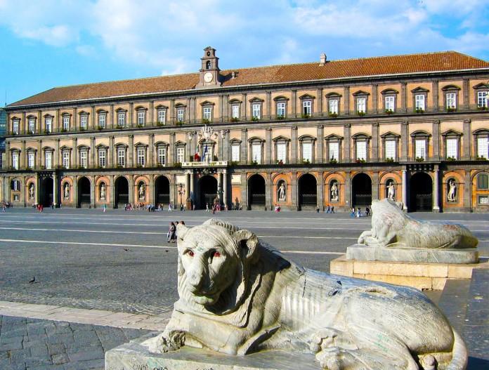 Cosa vedere palazzo reale di napoli