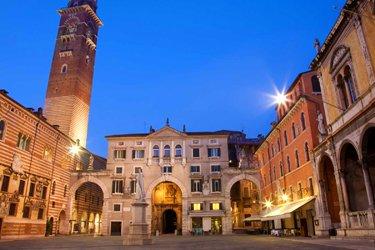 Piazza dei Signori e Arche Scaligere a Verona