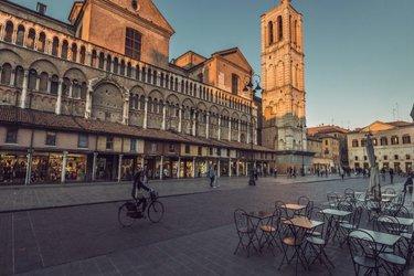 Piazza delle Erbe a Ferrara