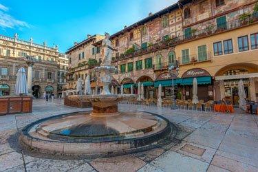Piazza delle Erbe a Verona