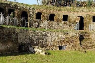 La Tomba di Agrippina nei Campi Flegrei