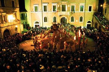 La Torciata di San Giuseppe a Pitigliano