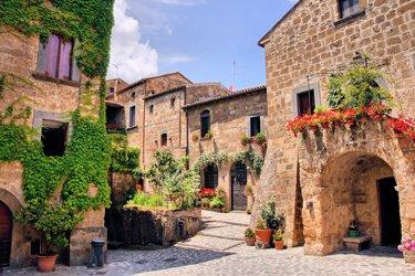 Palazzi e case di Civita di Bagnoregio