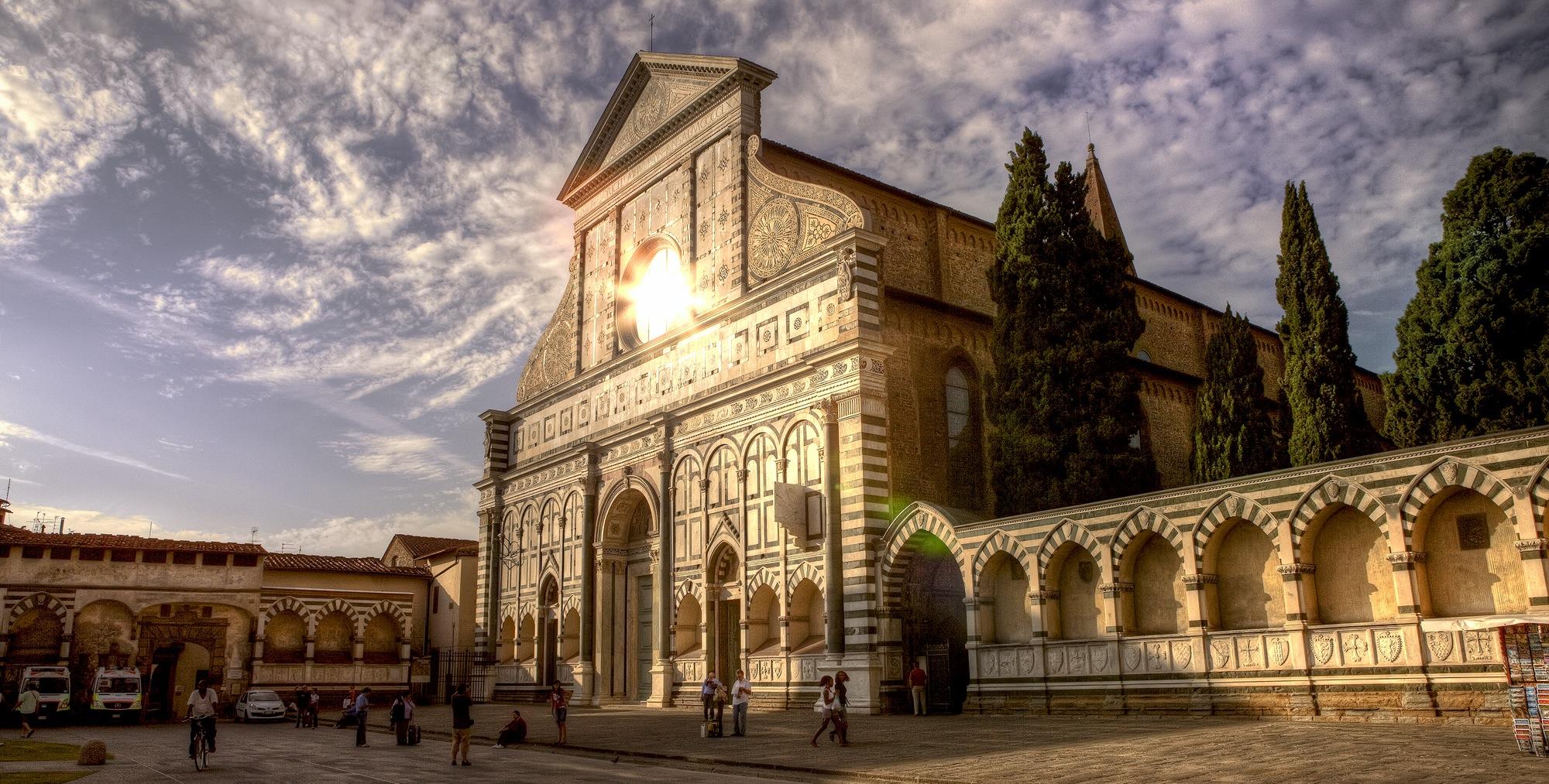 http://www.10cose.it/wp-content/uploads/2015/12/chiesa-santa-maria-novella-firenze.jpg