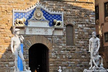 L'ingresso di Palazzo Vecchio con il Davide