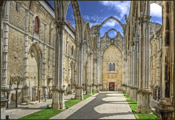 La Chiesa do Carmo a Lisbona