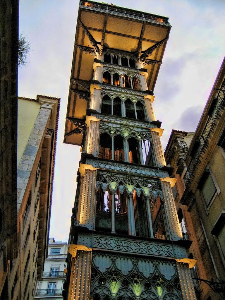 L'ascensore di Santa Justa a Lisbona