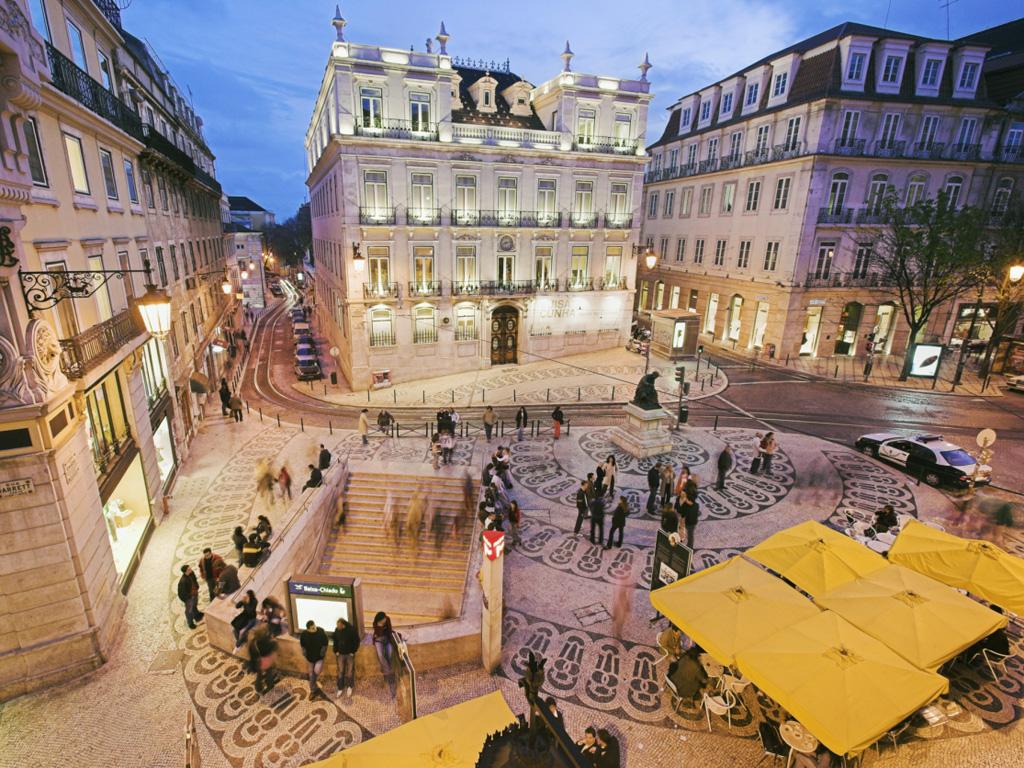 Lisbona Il Quartiere Del Chiado A Lisbona