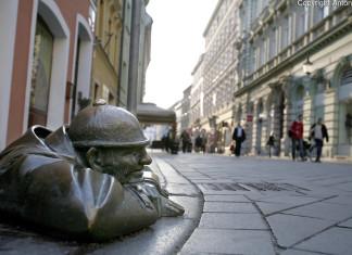 Le curiose statue in bronzo di Bratislava