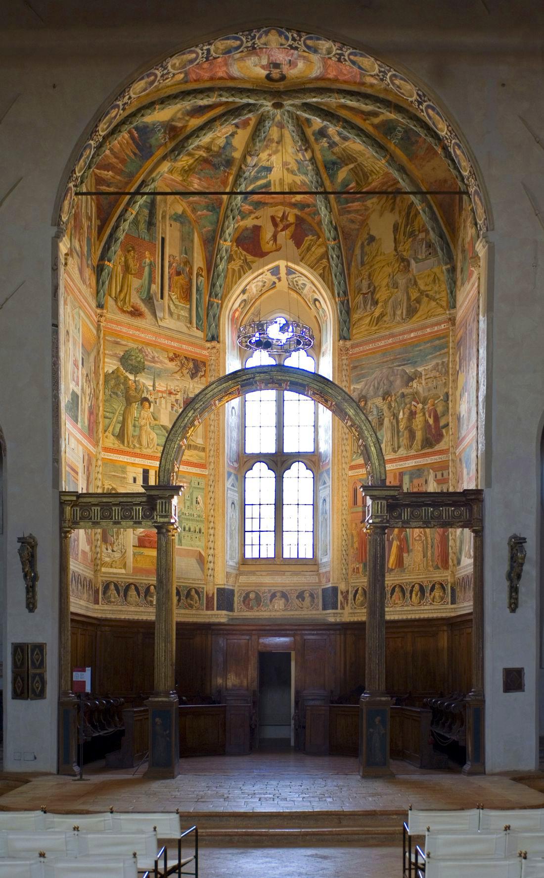Gli affreschi di Benozzo Gozzoli nell'abside centrale