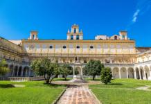 Il Chiostro Grande della Certosa di San Martino