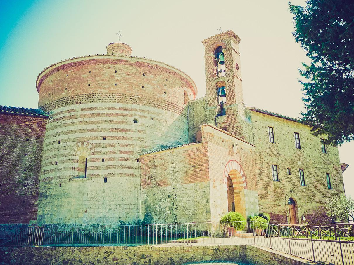 La chiesa di Montesiepi