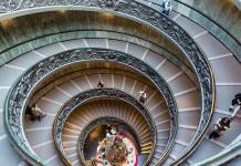 Lo scalone dei Musei Vaticani