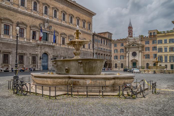 Palazzo e Piazza Farnese