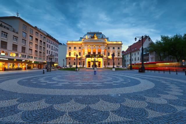 piazza-citta-vecchia-bratislava