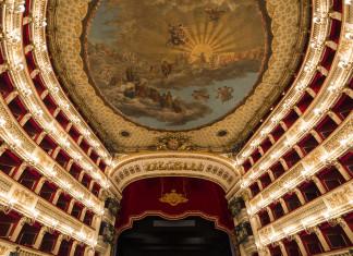 Il Teatro San Carlo di Napoli