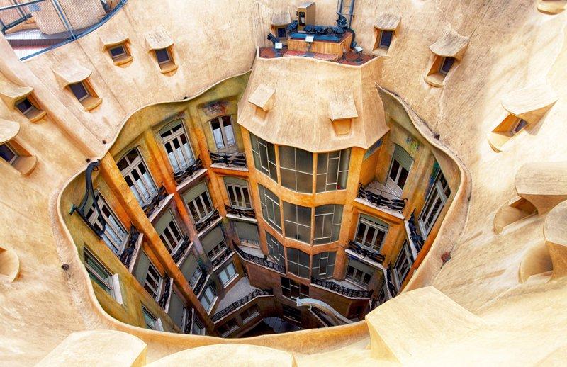 Il cortile interno di Casa Milà