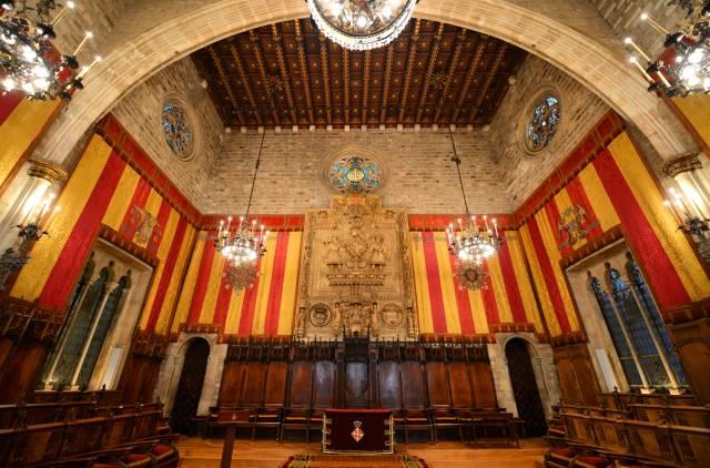 Il Salone dei Cento nel Municipio di Barcellona