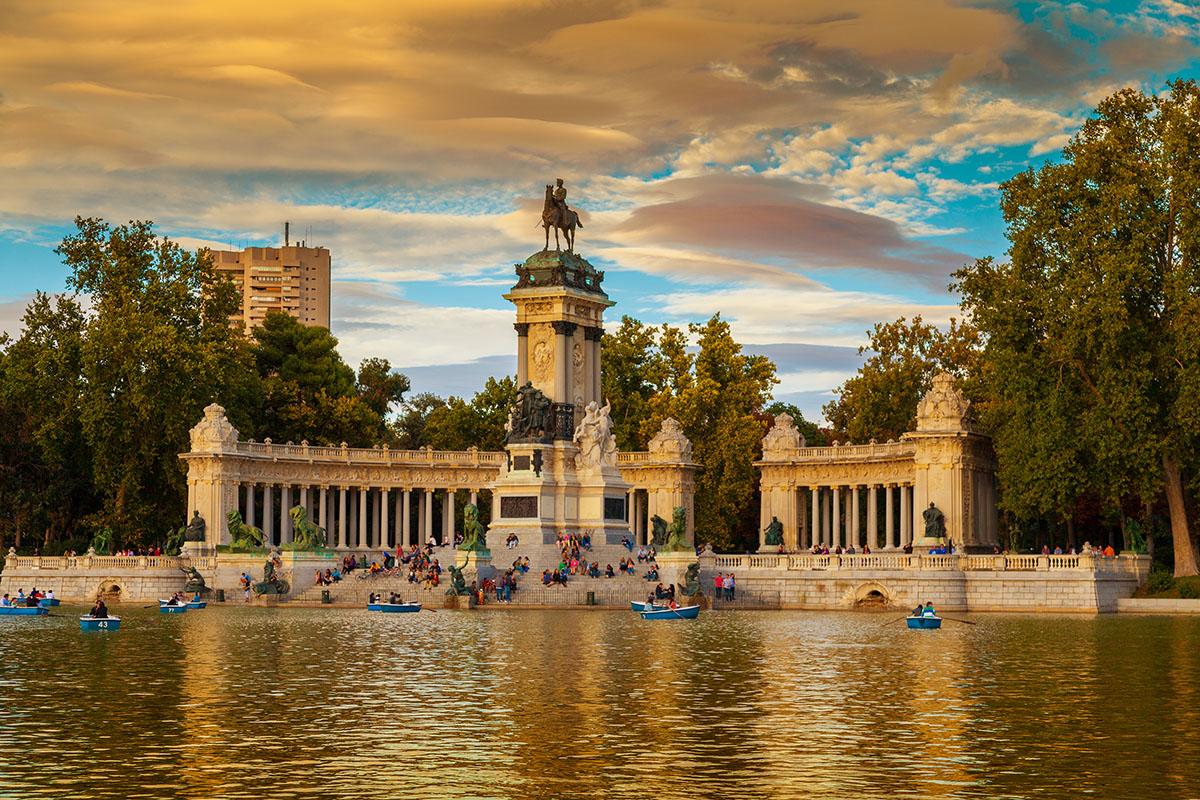 Il Monumento al Re Alfonso XII