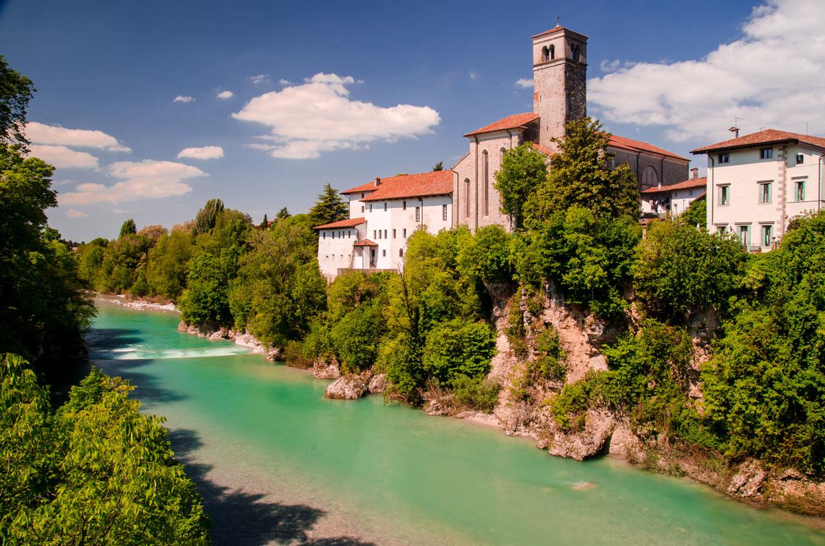 Il borgo visto dal Ponte del Diavolo