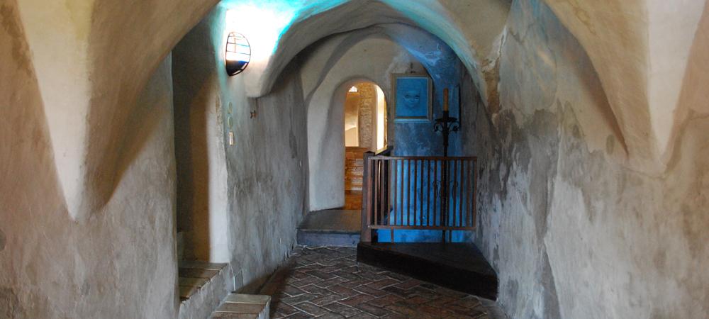 L'interno del castello di Azzurrina