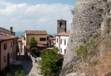Il borgo e il Castello di Montebello