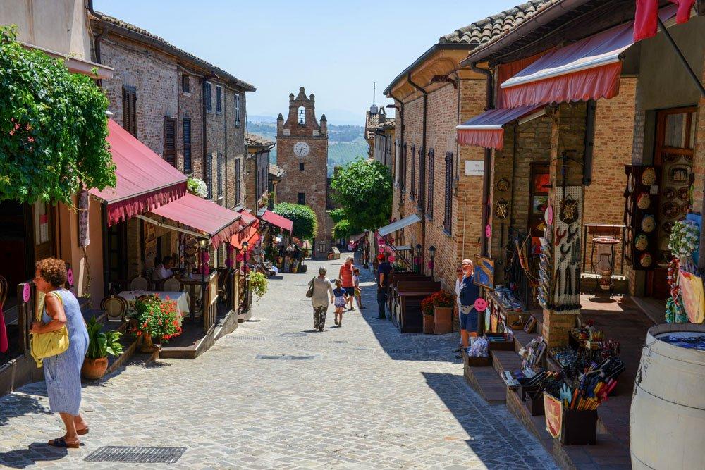 Il centro storico di Gradara