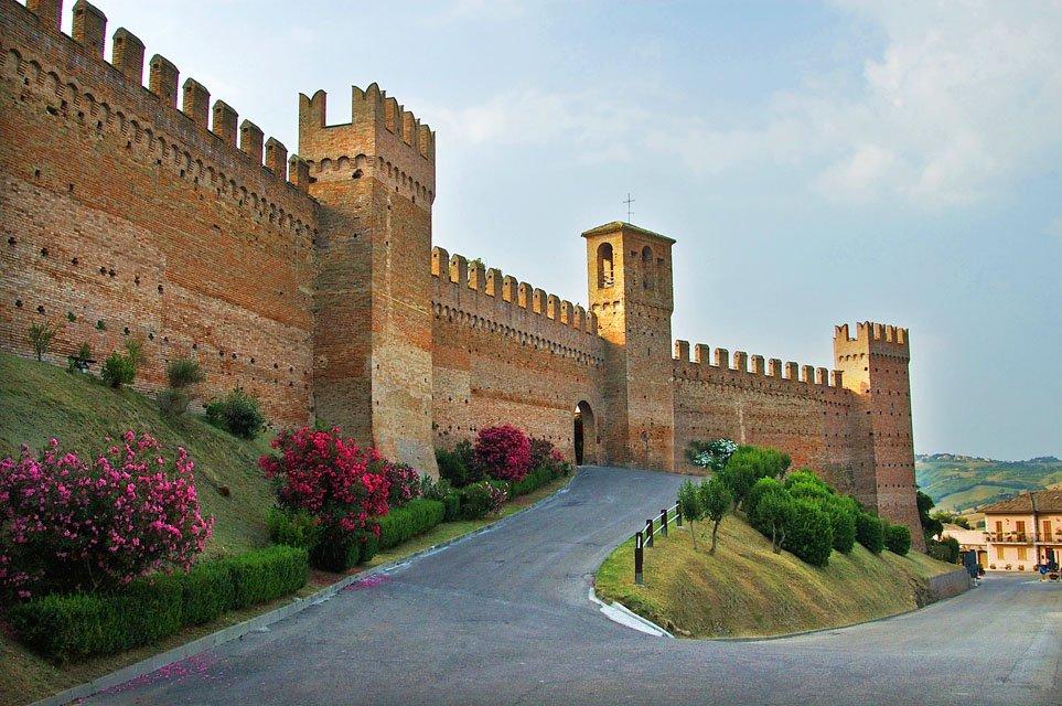 Le mura di Gradara