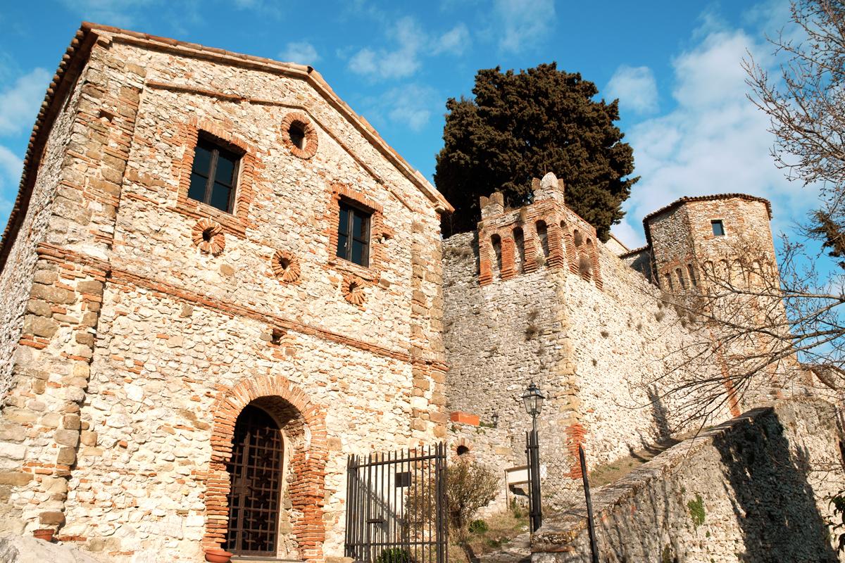 La Pieve e il Castello di Montebello