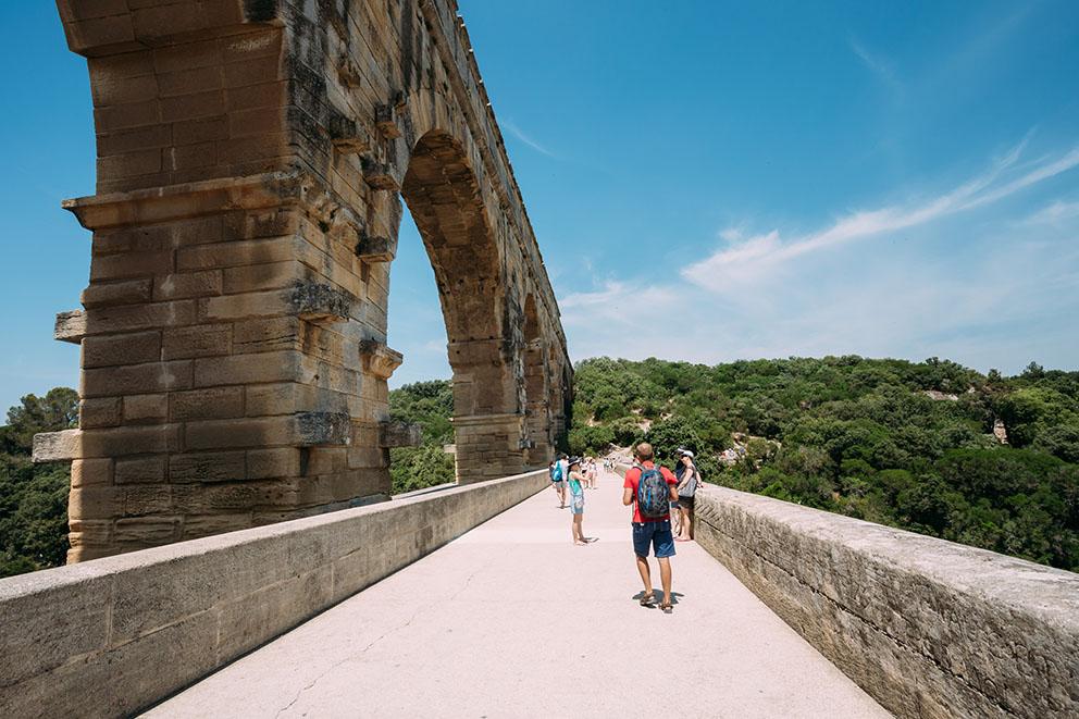 Passeggiata sul Pont du Gard in Provenza