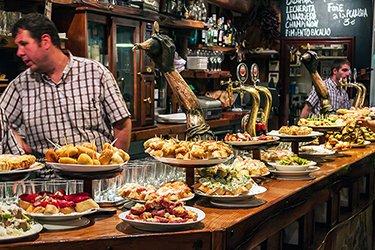 Un Pinxtos Bar a San Sebastian