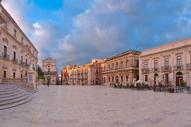 Il Duomo e la Piazza di Ortigia