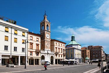 L'Arco di Augusto e Piazza Tre Martiri
