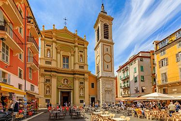 La città vecchia e la Chiesa di Sainte Réparate