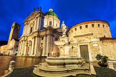 Piazza Duomo a Brescia