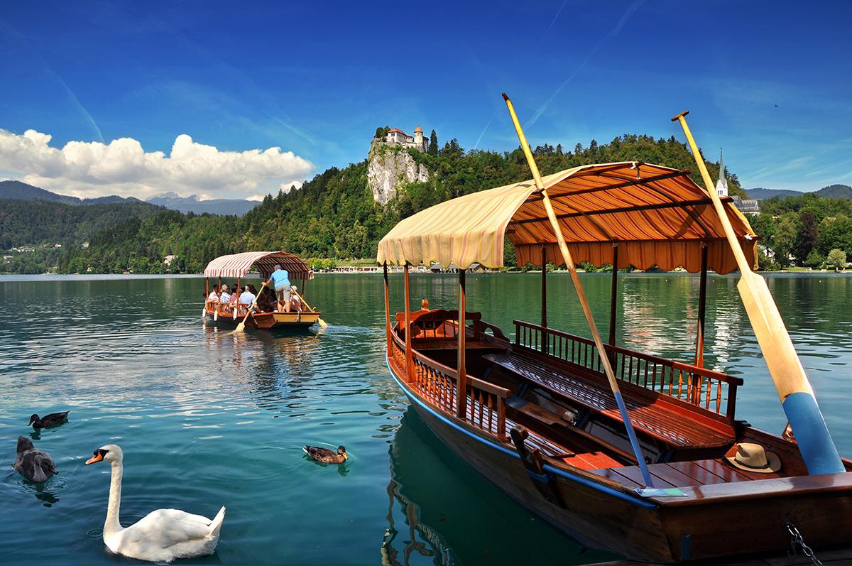 La pletna del lago di Bled