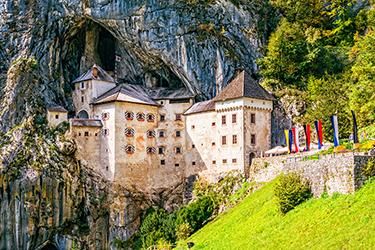 Castel Lueghi – Castello di Predjama