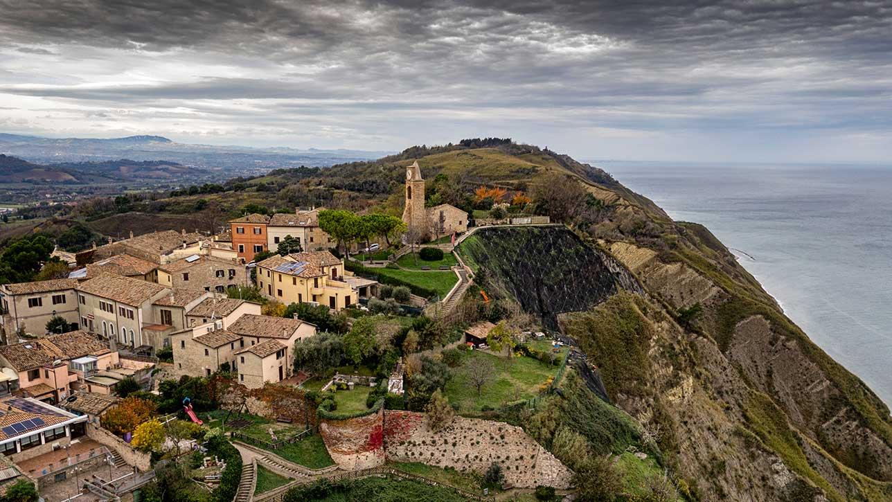 Il borgo di Fiorenzuola di Focara