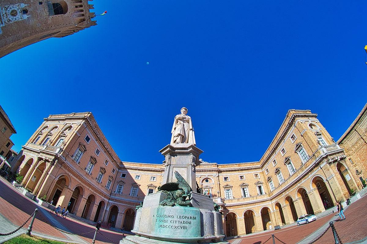 Piazza Giacomo Leopardi