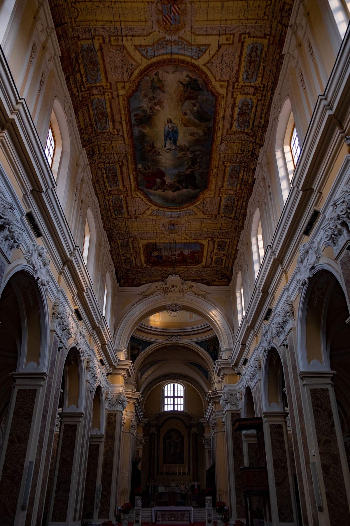 Interno Duomo Sant'Agata de'Goti