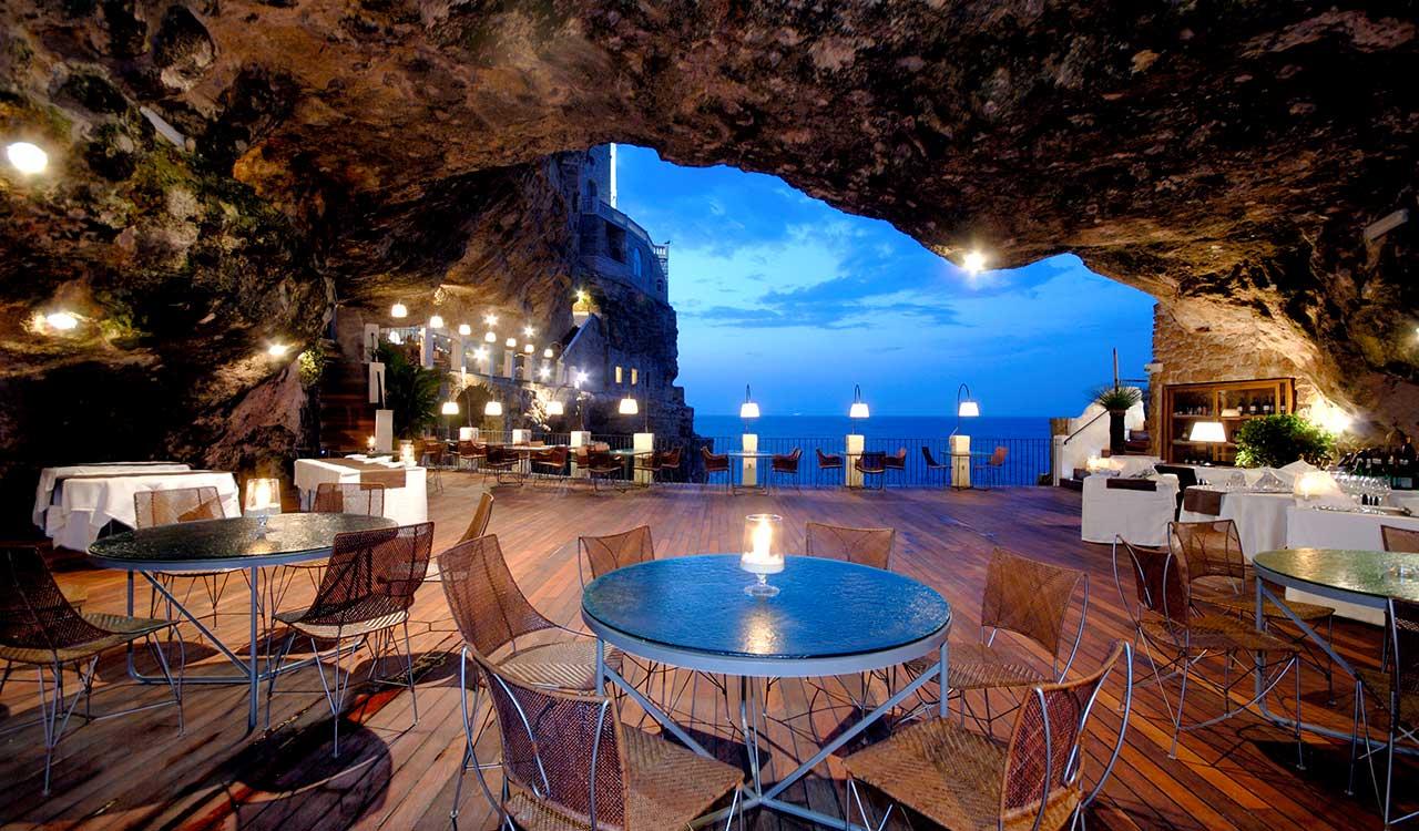 Il ristorante di Grotta Palazzese © Hotel Ristorante Grotta Palazzese