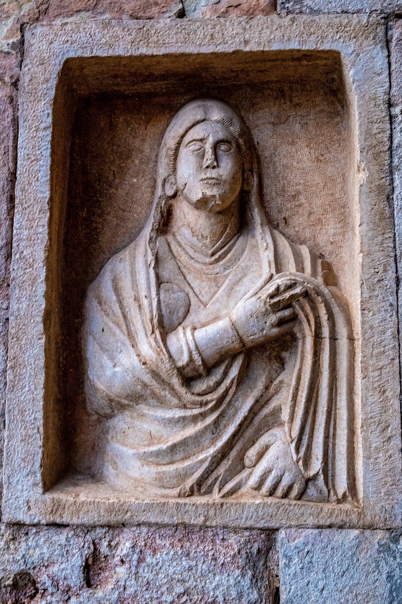La scultura della Matrona