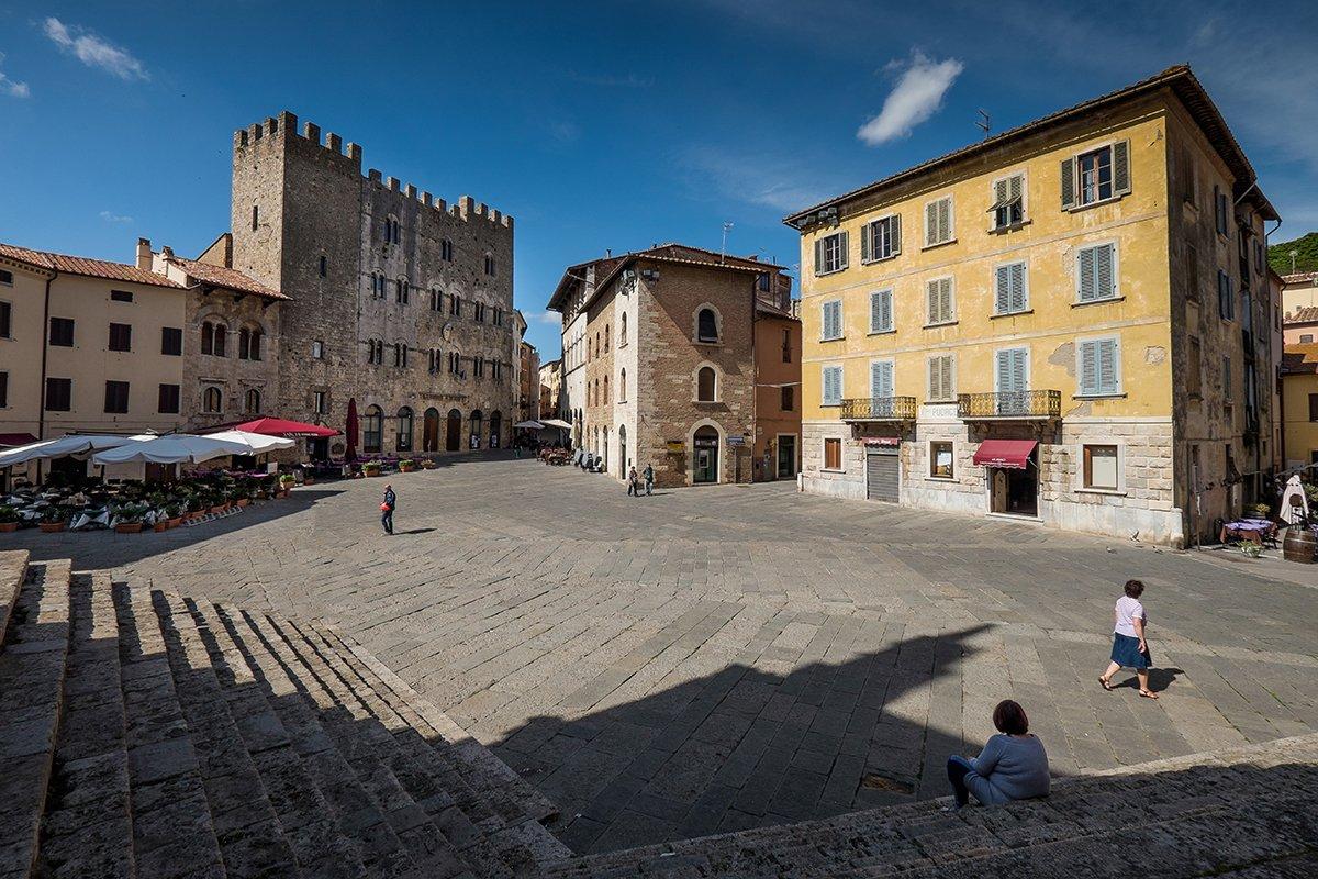 Piazza Garibaldi a Massa Marittima