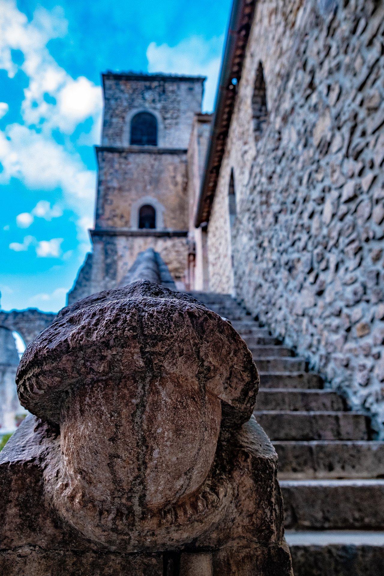 La scala che porta alla Cappella di San Luca