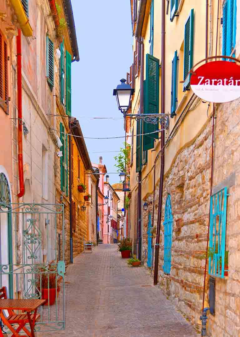 Il centro storico di Sirolo