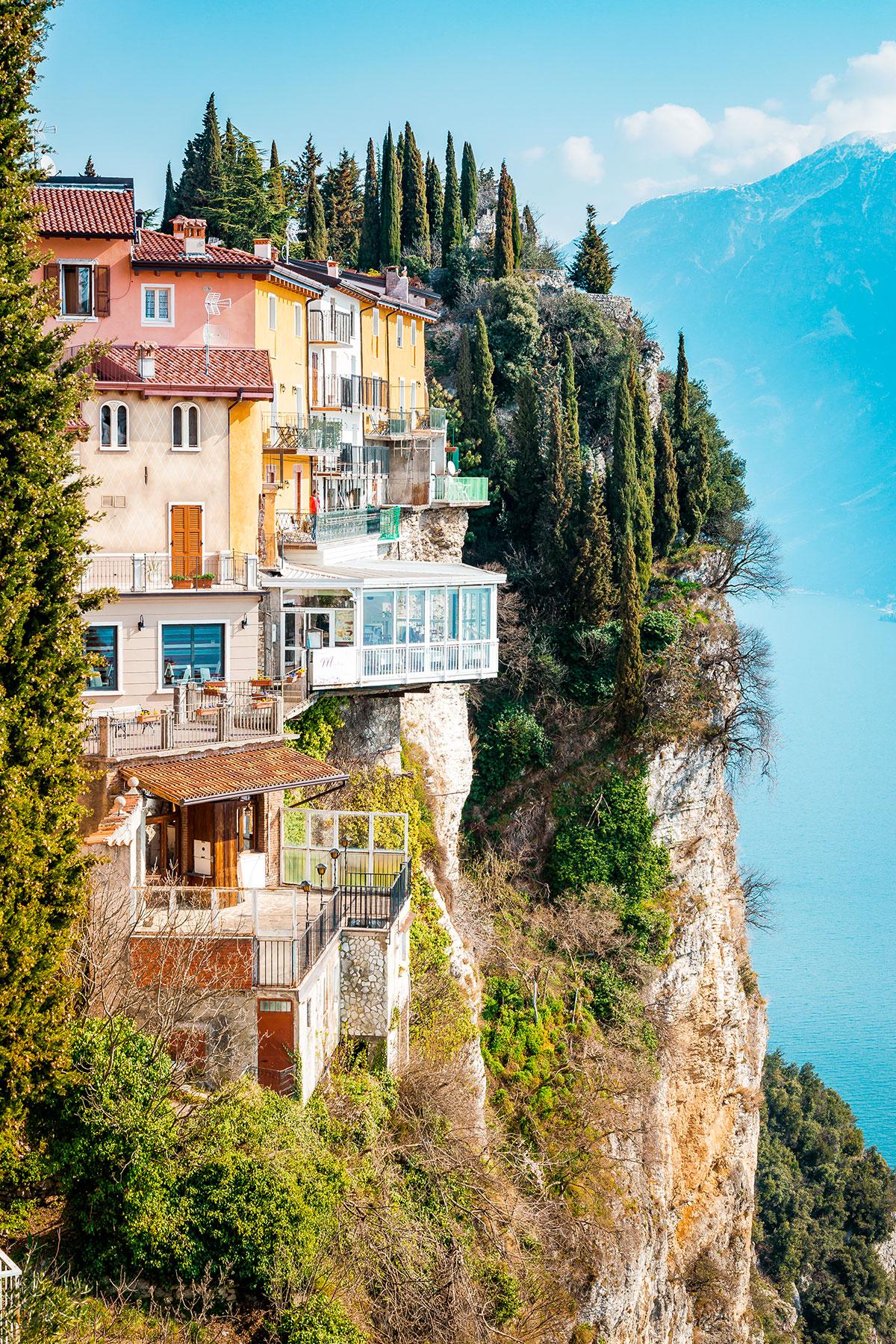 La famosa terrazza di Tremosine sul Garda